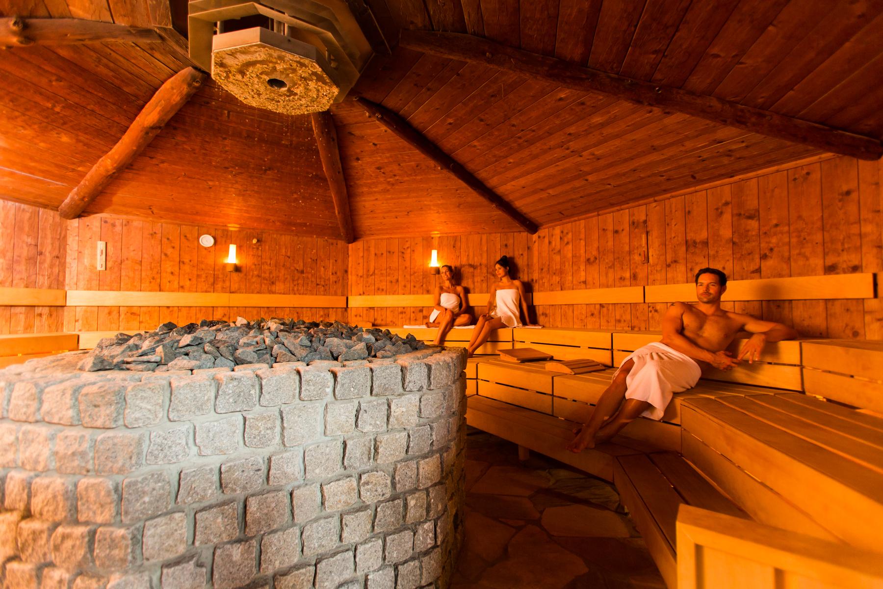 naar de sauna in de herfst